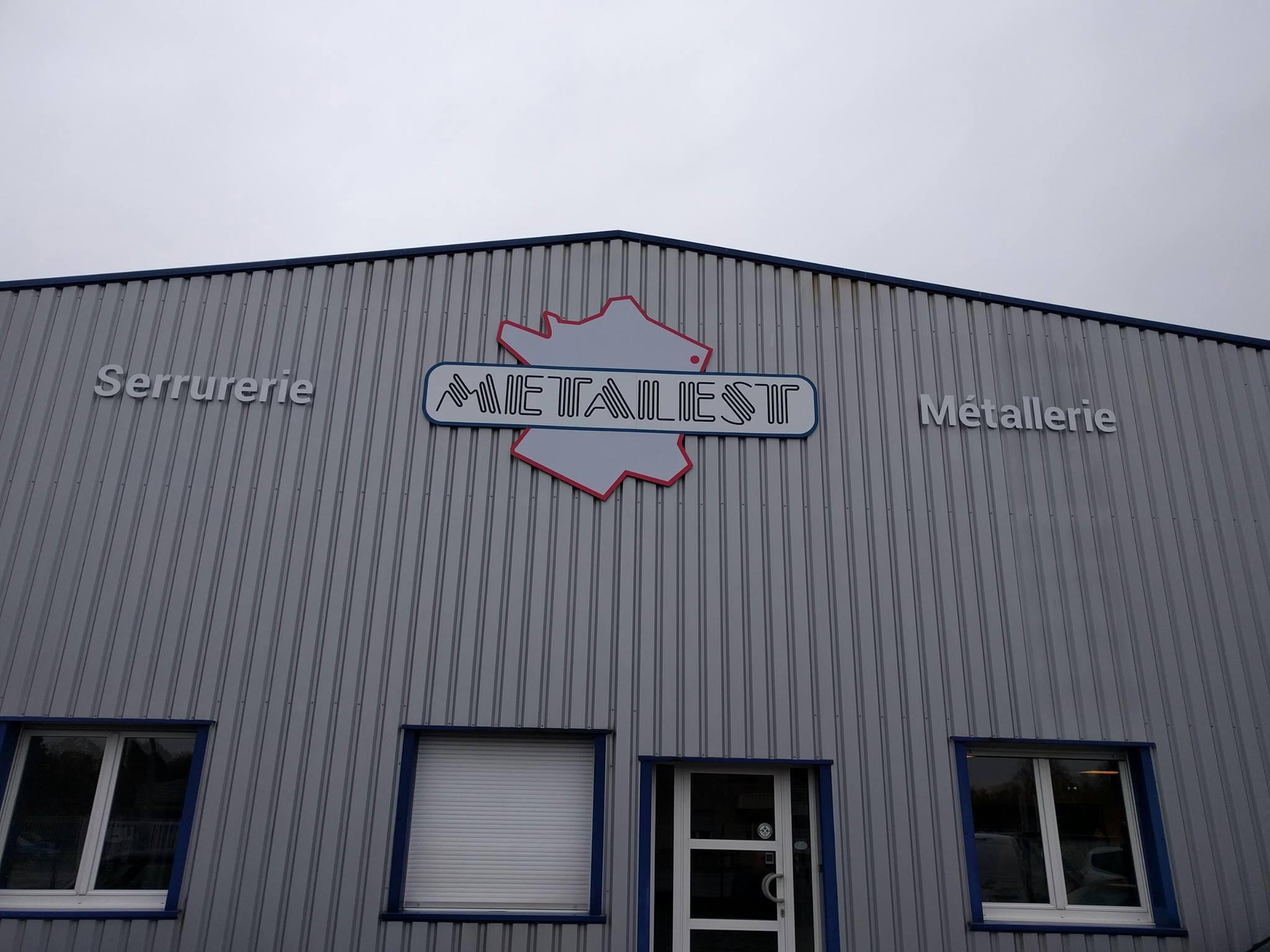 Enseigne et supports de communication pour une métallerie en Alsace