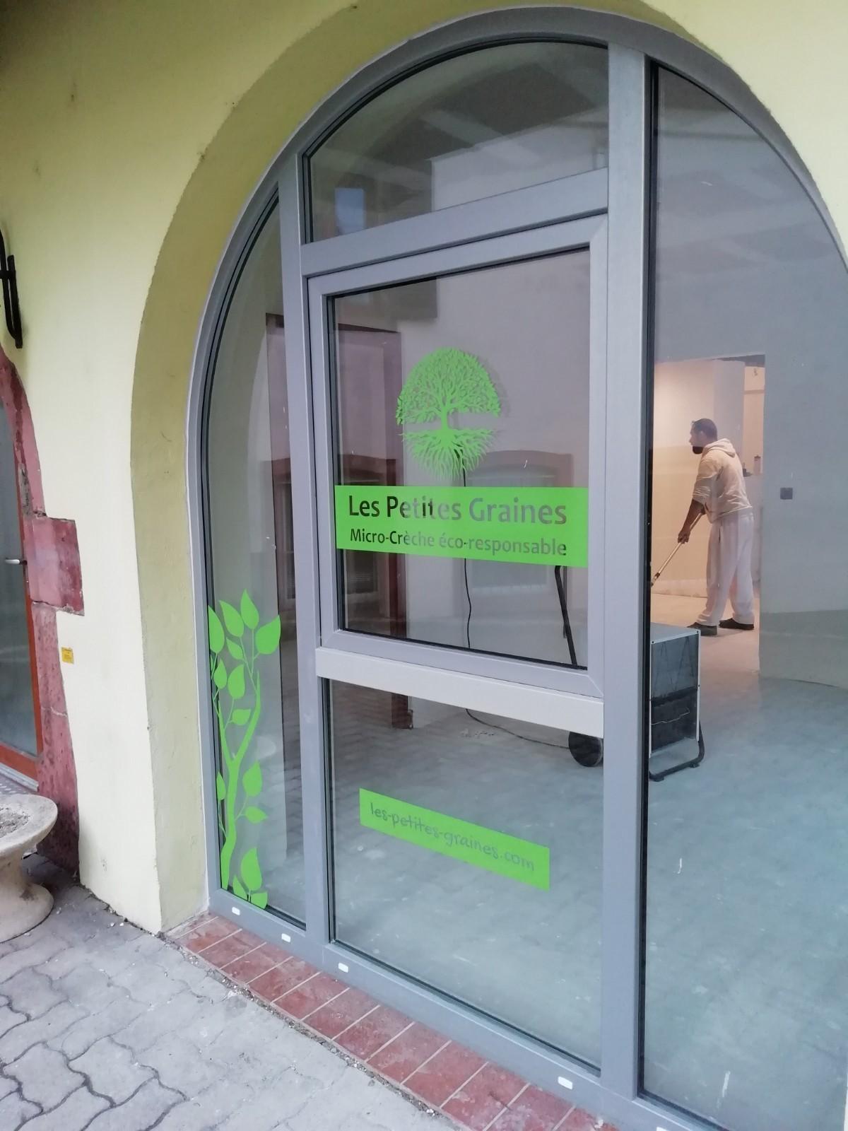 Identité visuelle et campagne de communication pour une micro-crèche