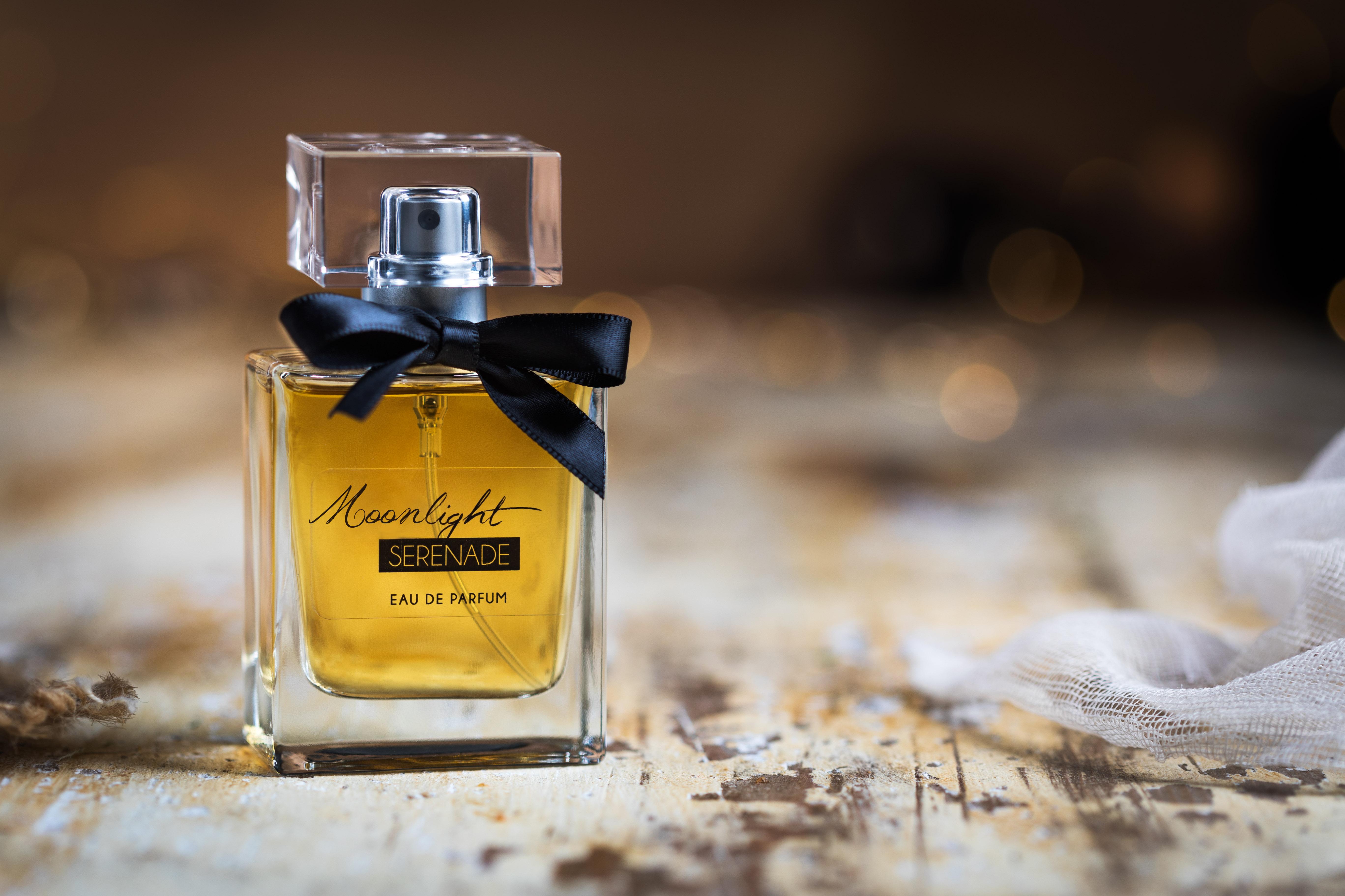 Assemblage de parfums et packaging pour un institut de beauté